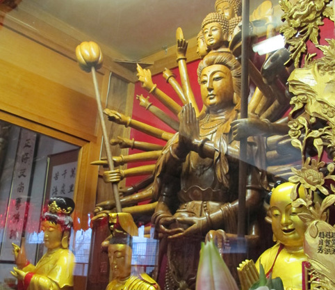Ching Kwok Buddhist Temple Toronto. Copyright ©2014 Ruth Lor Malloy.