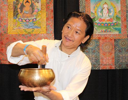 J.C. Nawang, Tibet Gallery. Copyright ©2014 Ruth Lor Malloy