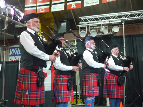 Brockville Pipes &  Drums. Copyright ©2015 J.S. Lor
