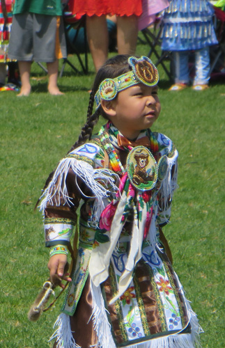 North American Pow Wow, Toronto. May 21, 2016. Image Copyright ©2016 Ruth Lor Malloy