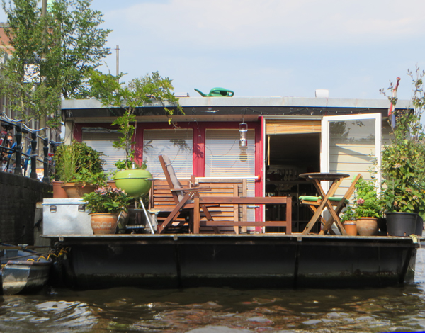 Houseboat. Image Copyright ©2016 Ruth Lor Malloy